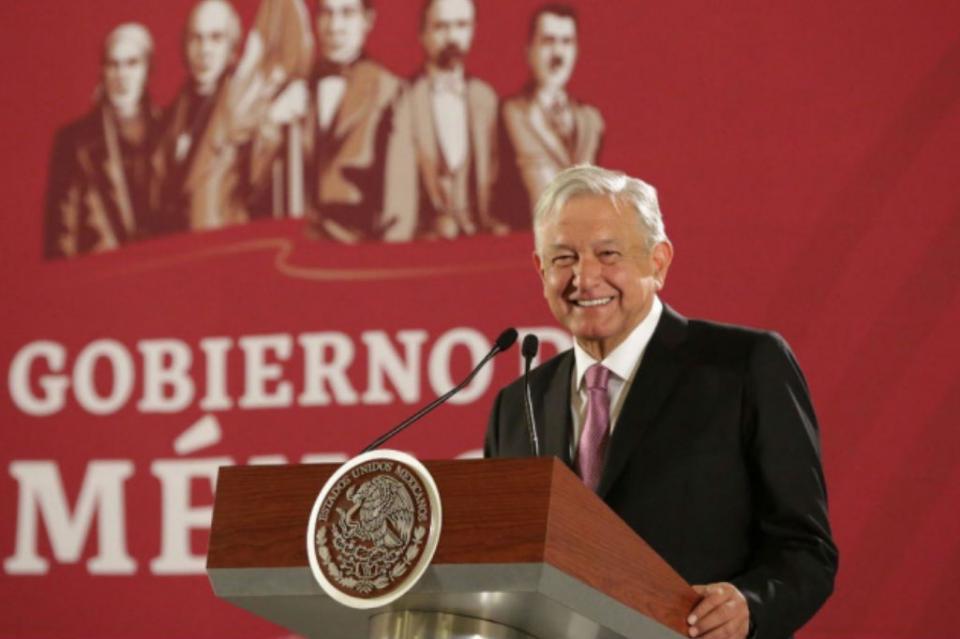López Obrador desea buen año a mexicanos, destaca estabilidad económica