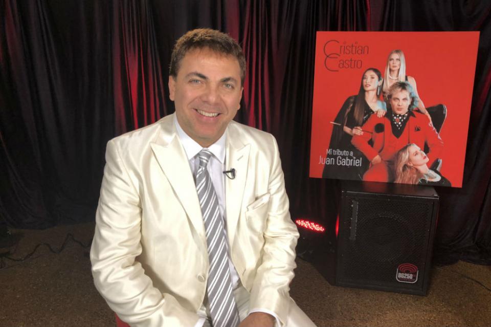 Cristian rinde tributo a Juan Gabriel pilar de su inspiración