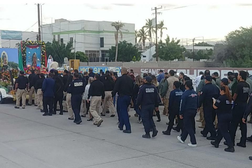 Cuerpos de Seguridad de La Paz realizan peregrinación guadalupana