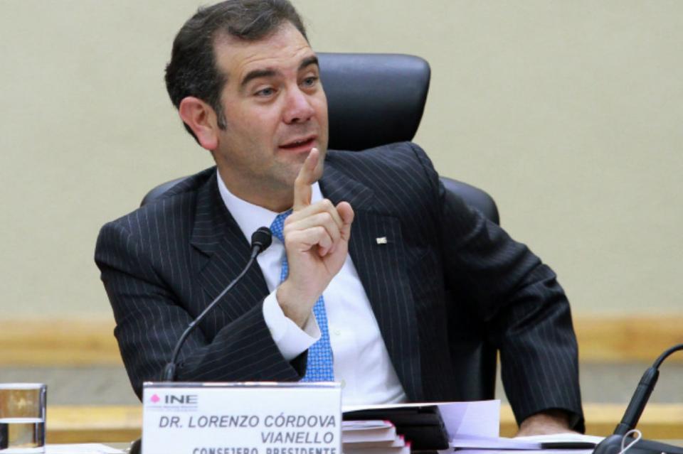 Recorte pone en riesgo operación de procesos electorales INE