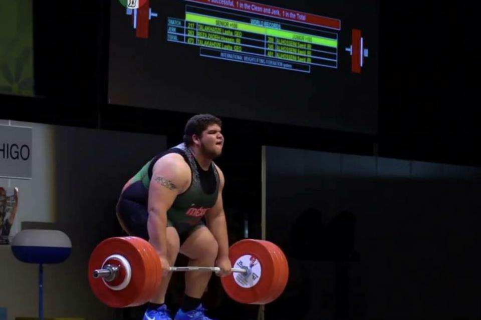 Establece nuevo récord Raúl Manríquez