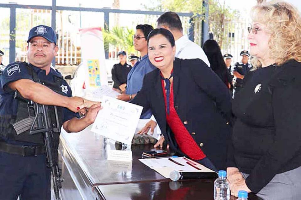 Incorporan a 18 nuevos elementos al cuerpo policial de Los Cabos