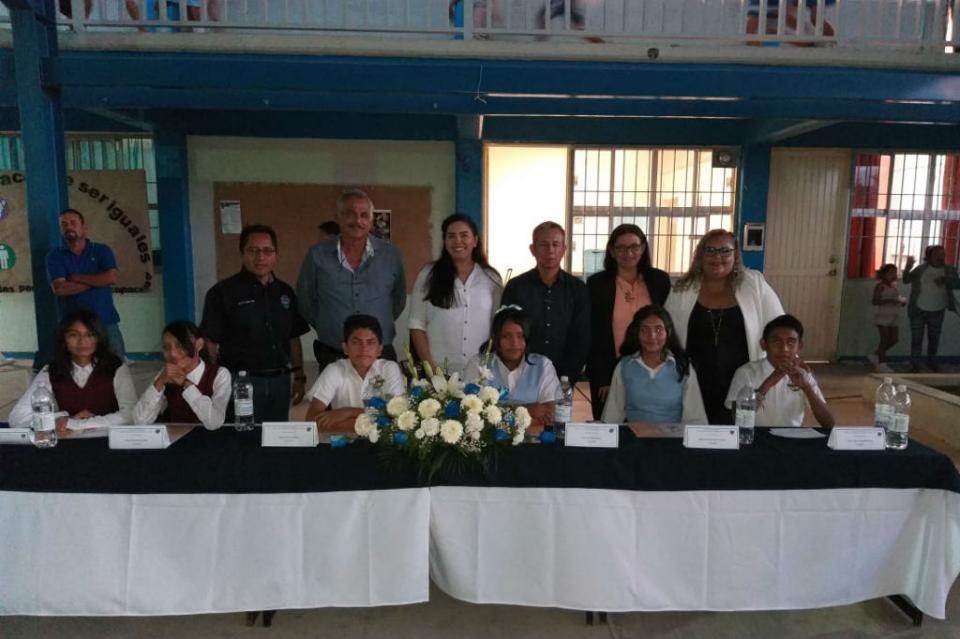 Alumnos presentan Miniconferencia en escuela Secundaria General Raúl Enrique Guerrero Montaño T.V