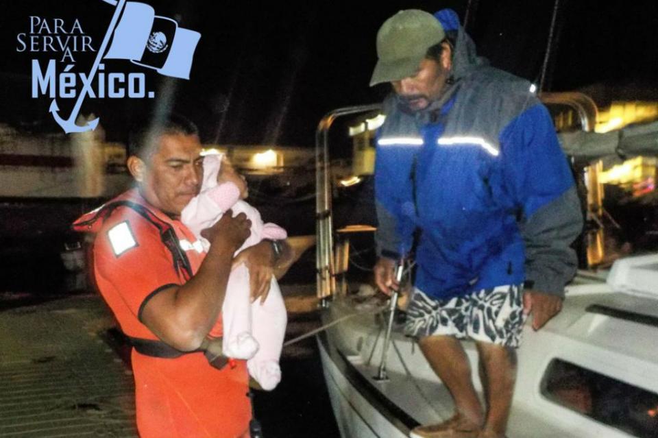 Rescata Marina embarcación con 4 tripulantes en Punta Coyote, entre ellos un bebé