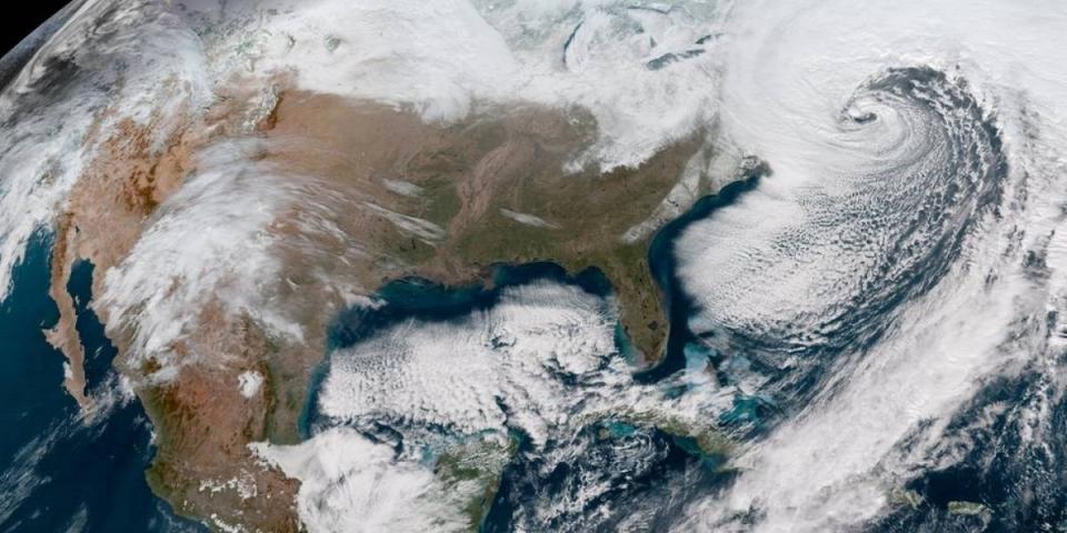Tormenta invernal amenaza a 20 millones de residentes en sureste de EUA