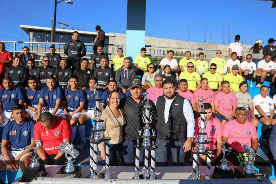 Realizan torneo de fútbol con motivo del Día del Policía