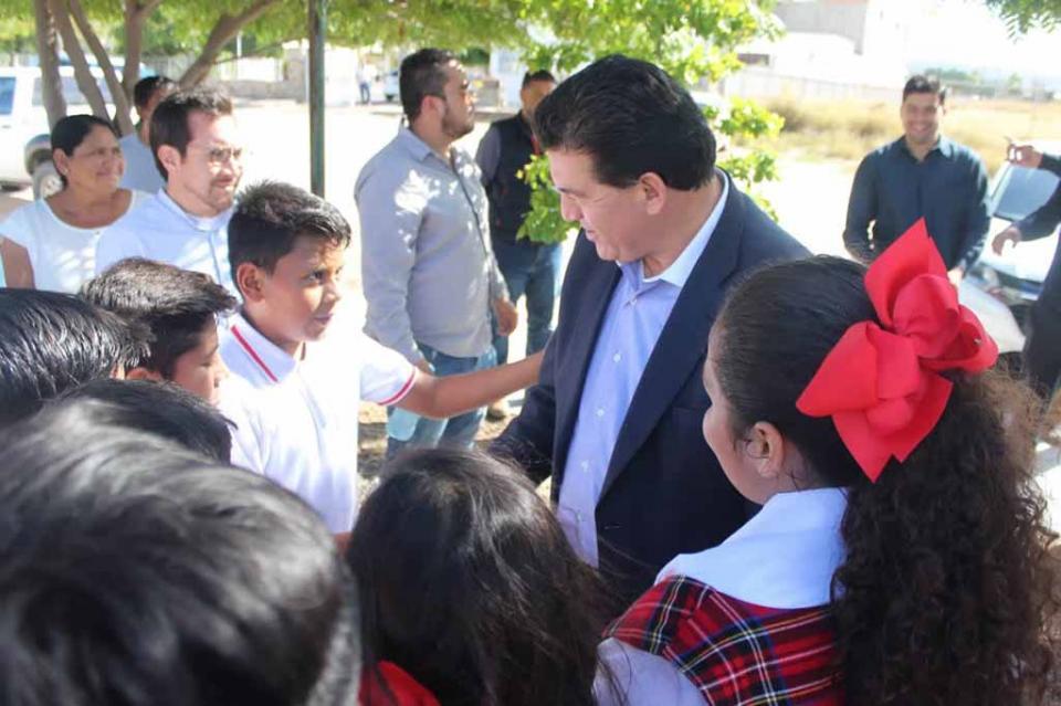 Adopta y rehabilita Tesorería Municipal el parque de la colonia La Fuente