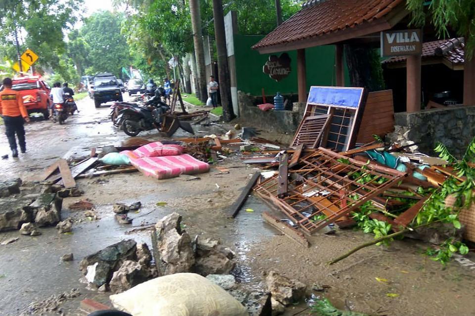 El balance de muertos por tsunami en Indonesia aumenta a 62