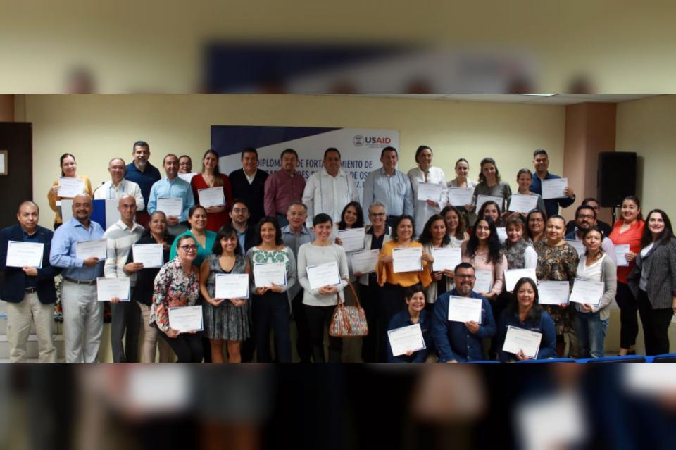 Clausuran en la UABCS diplomado en capacidades directivas para organizaciones de la sociedad civil