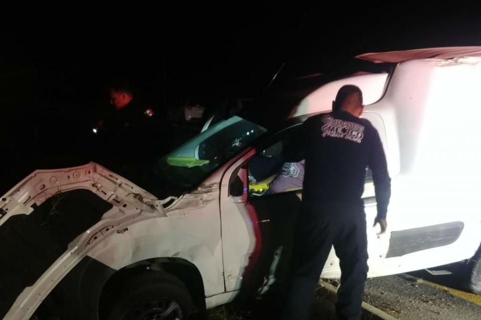 Pierde el control del auto y vuelca en carretera La Paz-Todos Santos