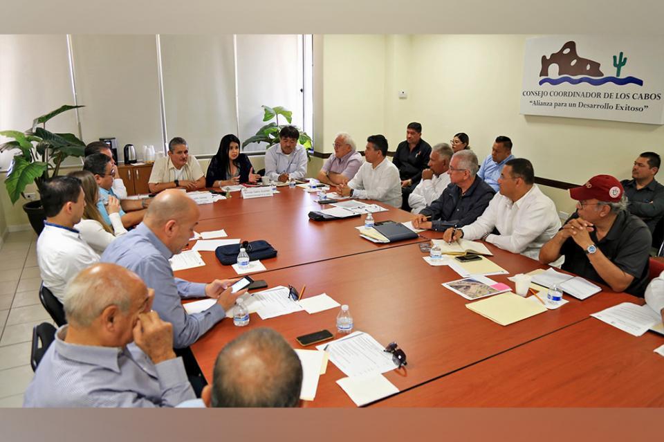 Gobierno de Los Cabos y CCC juntos por la regularización de El Médano