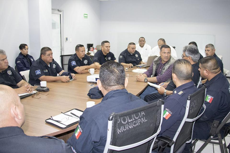 Policías iniciarán programa de acondicionamiento físico