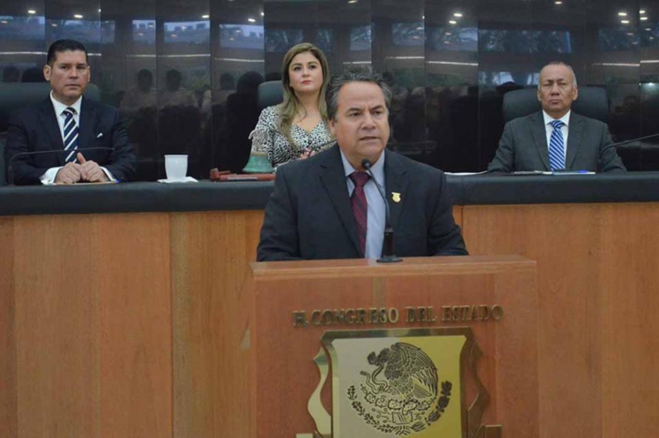 """Al amparo de la Constitución del Estado, los sudcalifornianos hemos logrado importantes transformaciones"""": Diputado Ramiro Ruiz Flores"""