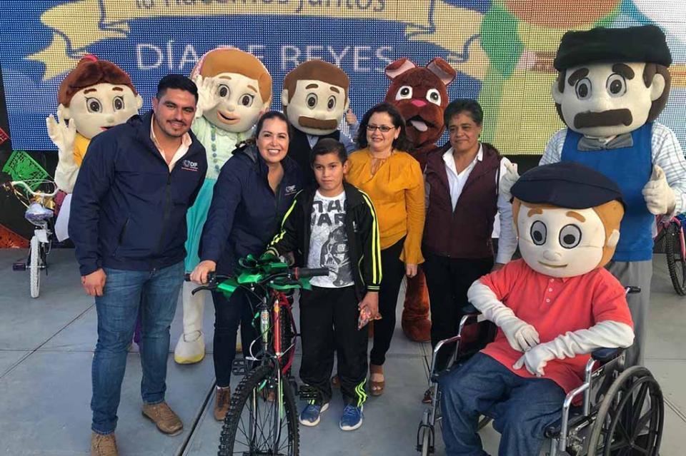 Familias comundeñas disfrutan de Festival de Día de Reyes: SEDIF