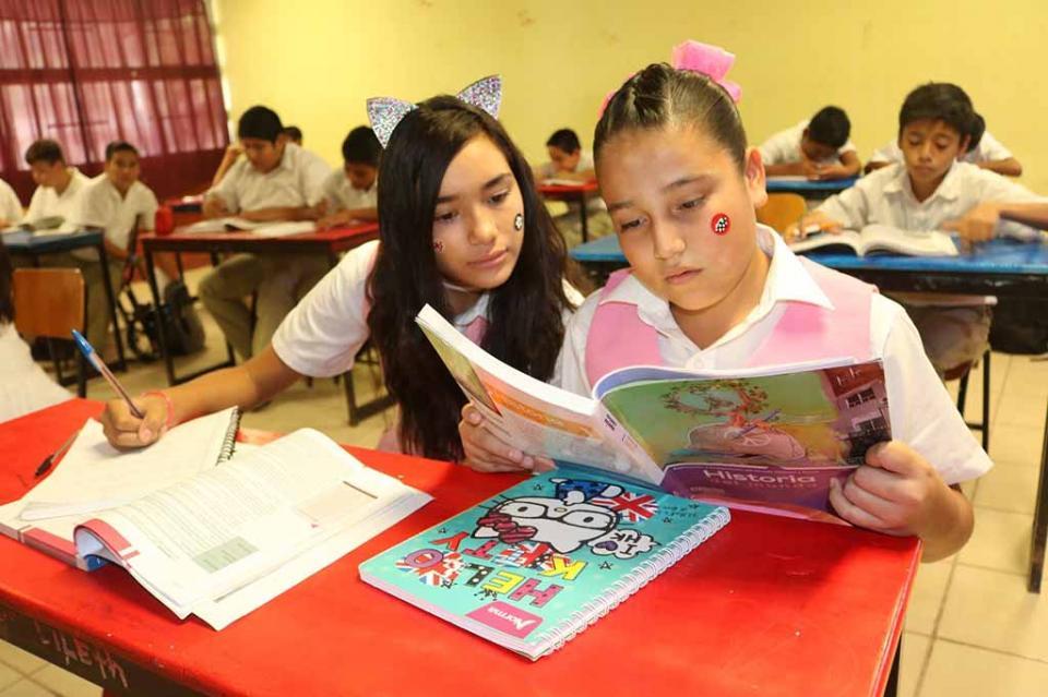 Este lunes 7 de enero regresan a clases 240 mil estudiantes