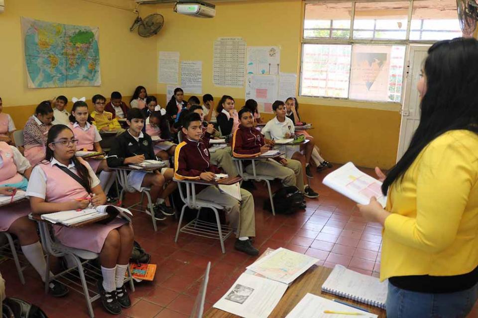 Sin contratiempos regresan a clases más de 240 mil alumnos de BCS: SEP