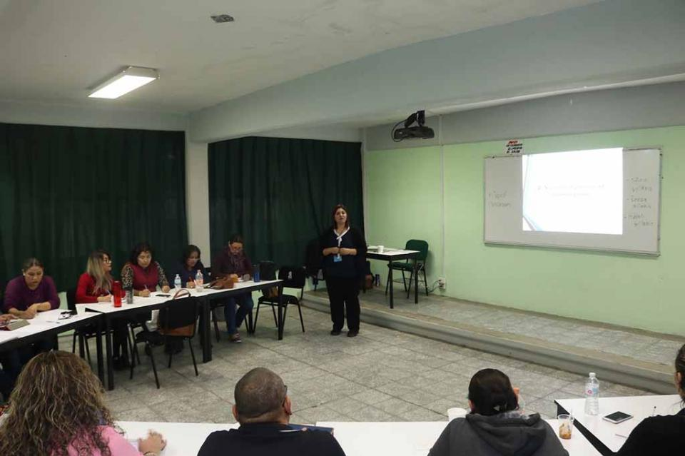Fortalece SEP a docentes de nivel medio superior en la enseñanza de inglés funcional