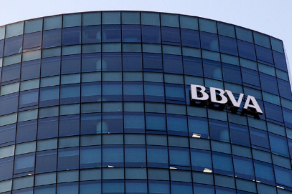 Crece escándalo de espionaje de contra empresarios y políticos españoles
