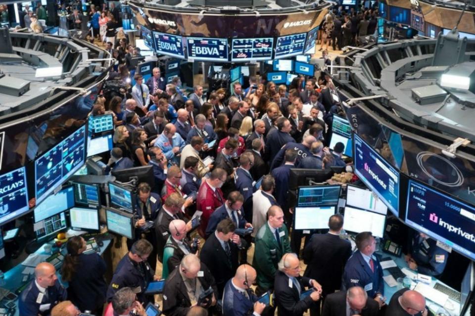 Bolsa de Nueva York abre con alzas atenta a negociaciones EUA-China