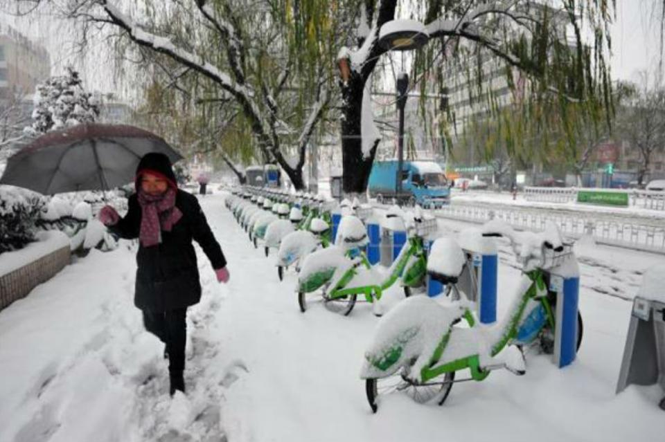 Afecta lluvia y nieve a casi un millón personas en el centro de China