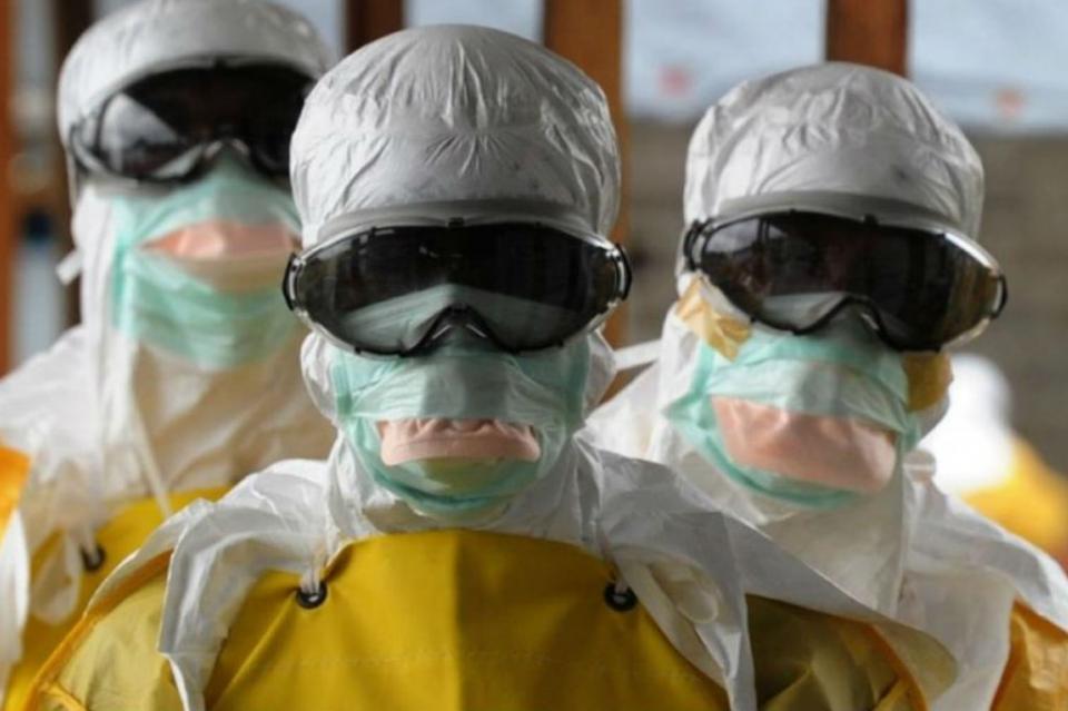 Detectan posible contagio de Ebola en paciente sueco