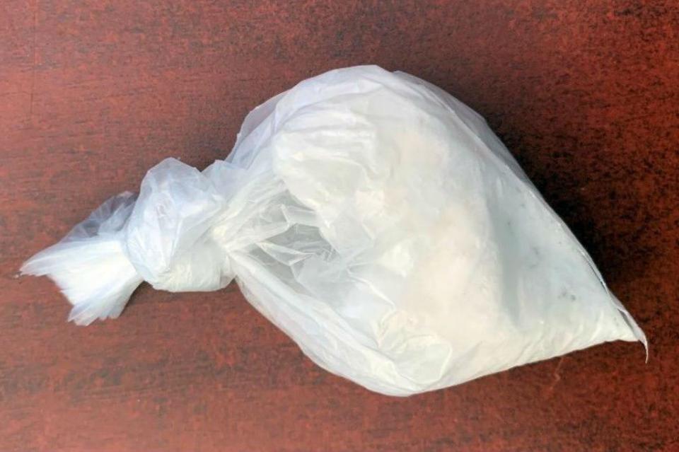 Mujer es detenida con más de 675 dosis de droga en La Paz