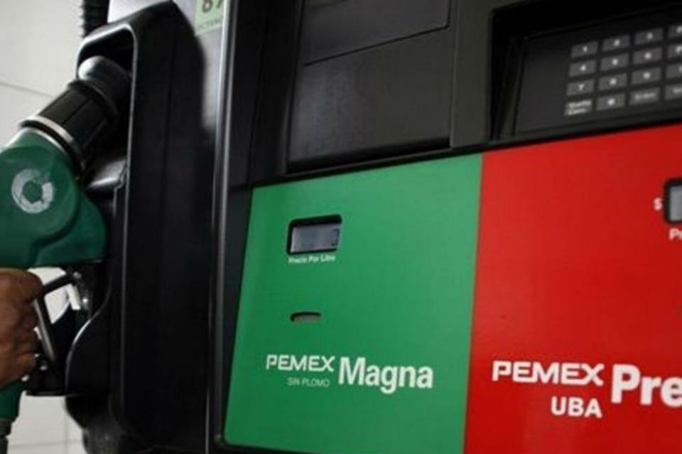 Promete López Obrador homologar precios de gasolinas con EUA en frontera