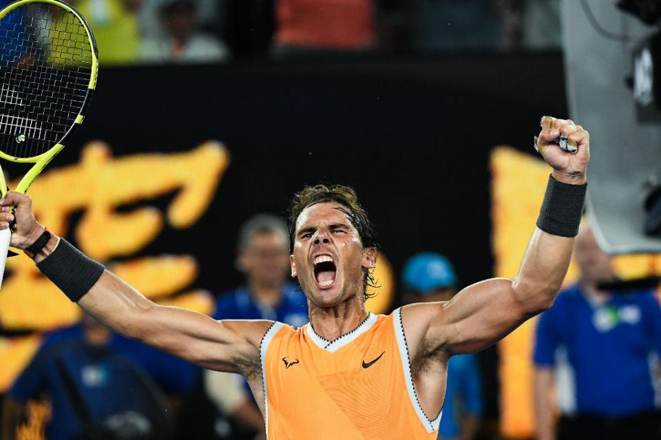 Nadal arrolla a Tsitsipas y disputará título en Abierto de Australia