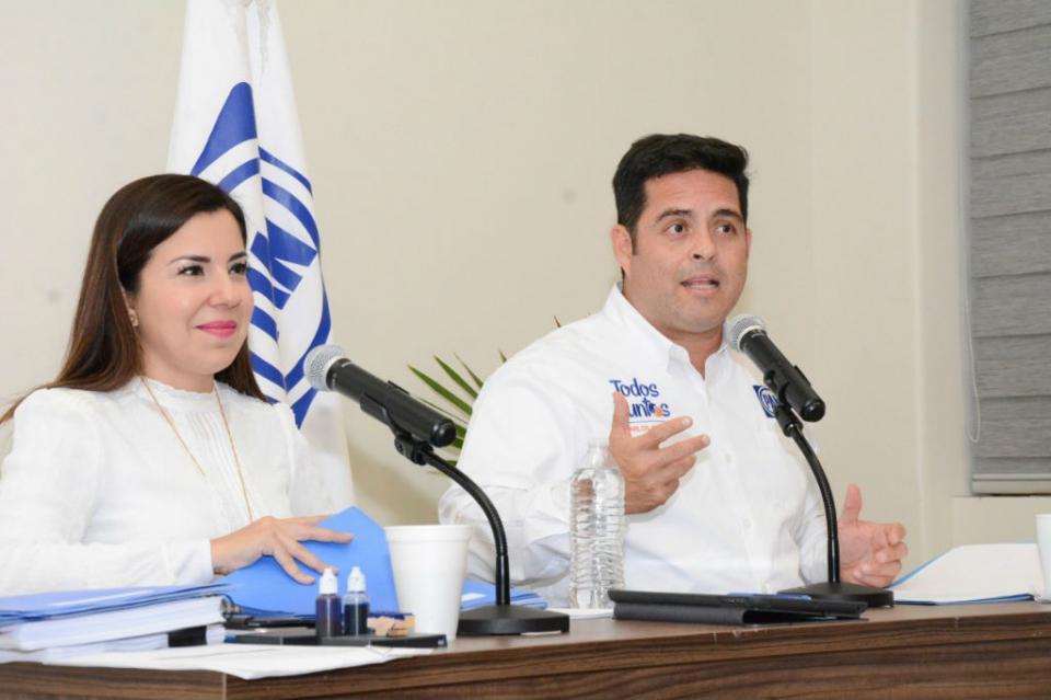 Engaño de IVA y nuevo gasolinazo, regalos de Morena en 2019