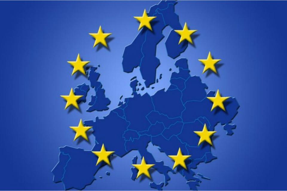 Theresa May pedirá reapertura de negociaciones para salida británica de la UE