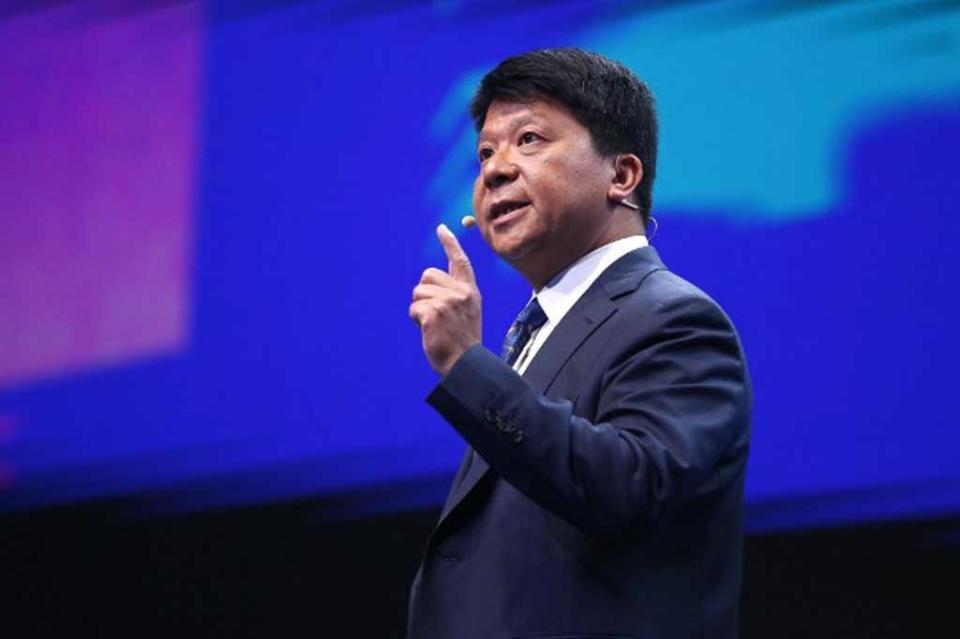 Presidente de Huawei aprovecha foro para defenderse de EUA