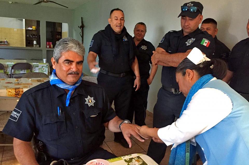 """""""Febrero, mes de la salud del hombre"""" brinda atención médica preventiva a policías municipales"""