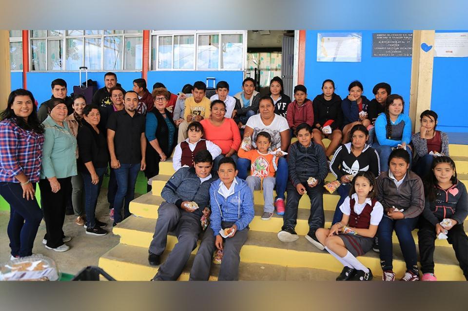 Entrega SMDIF Los Cabos apoyos asistenciales en comunidades rurales