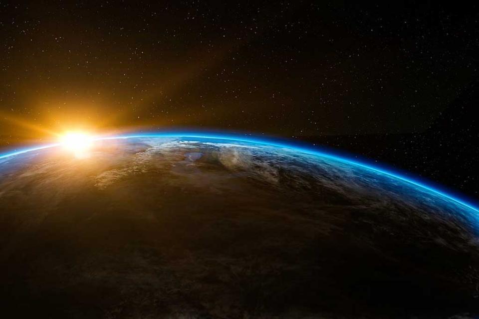 Desplazamiento de polos magnéticos de la Tierra, fenómeno común en la historia
