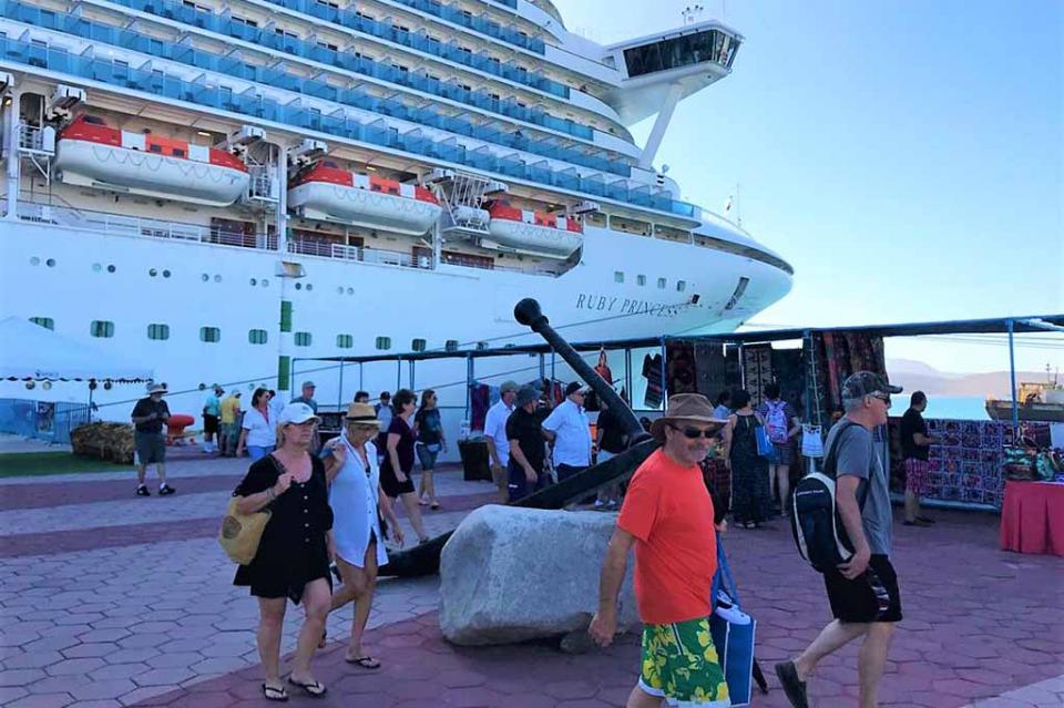 Recibe La Paz más de tres mil cruceristas