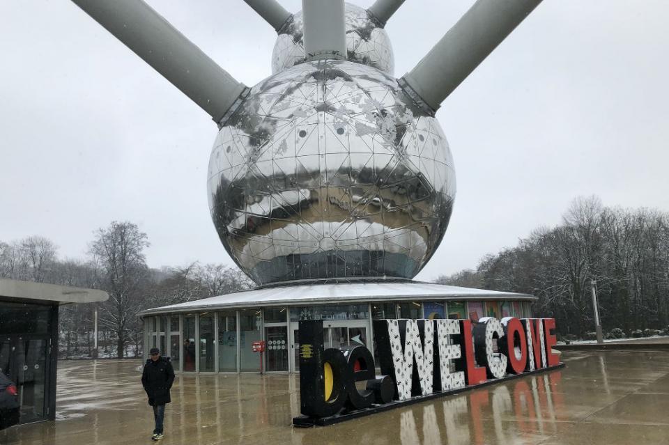 Convertido en imán turístico, el Átomo de Bruselas cumplió 60 años