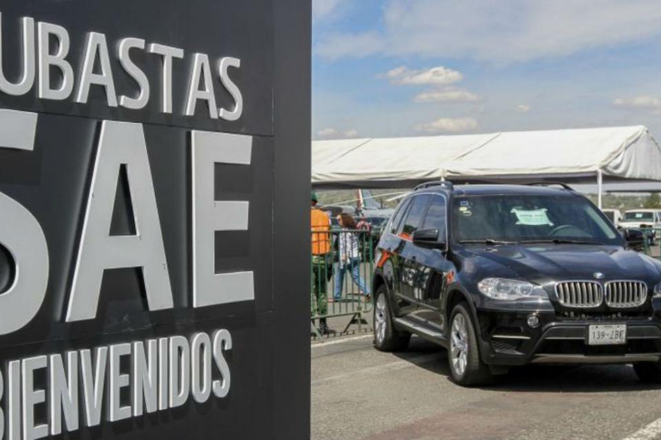 "Compran ""La Bestia"" mexicana en casi dos millones de pesos"