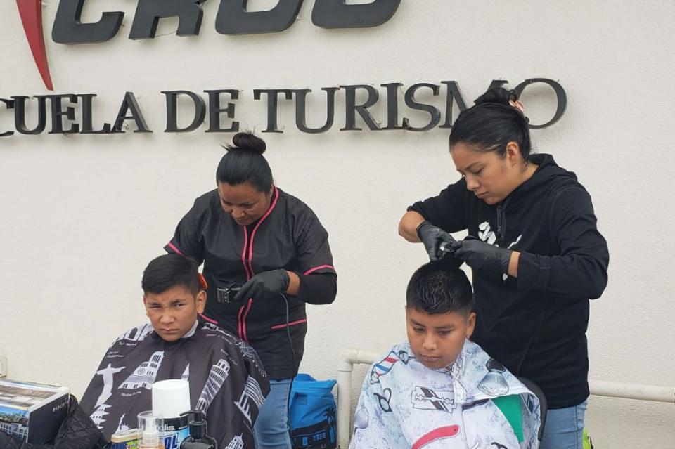 """Ofrece CROC curso de """"Barbería"""" para mujeres y hombres emprendedores"""