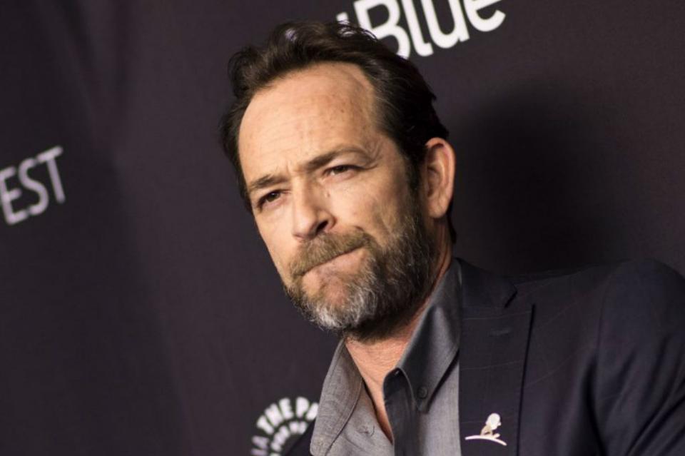 """Tras anuncio de nuevo """"90210"""", Luke Perry sufre derrame cerebral"""