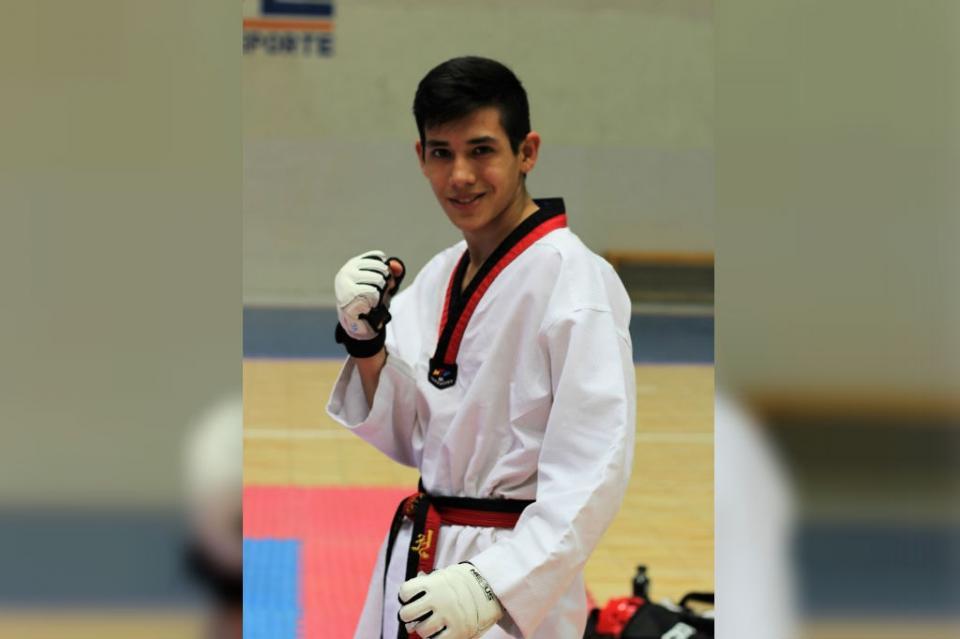 Conquista Jean Karlo Talamantes medalla nacional en TKD