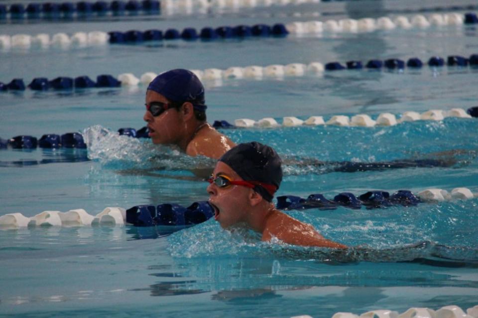 Abre el serial de natación el sábado en el GUM