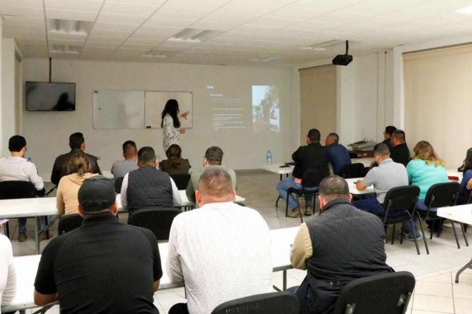 Brinda UBER charla a agentes estatales de Investigación Criminal