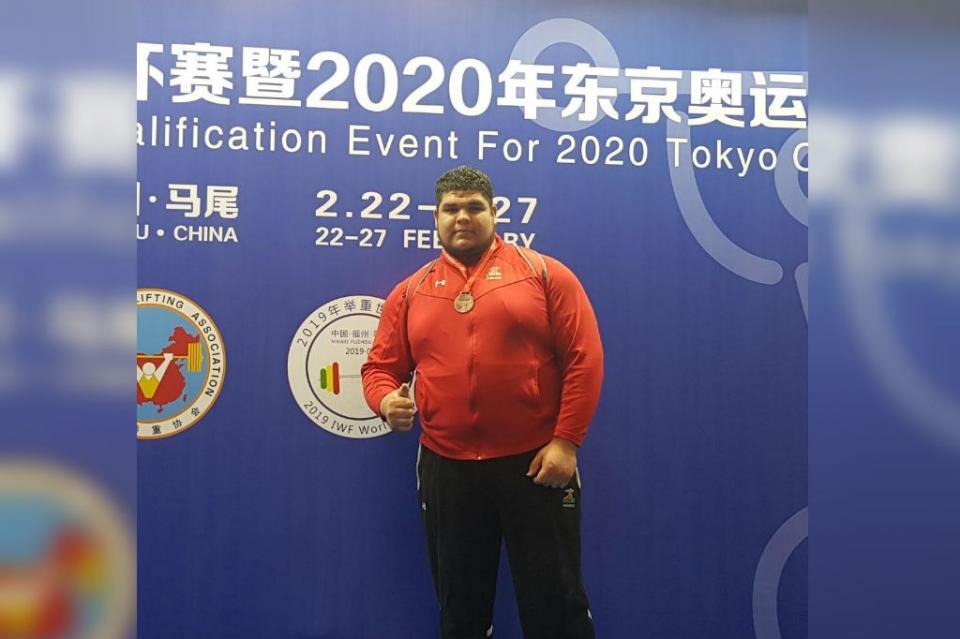 Histórica medalla de bronce del pesista Raúl Manríquez