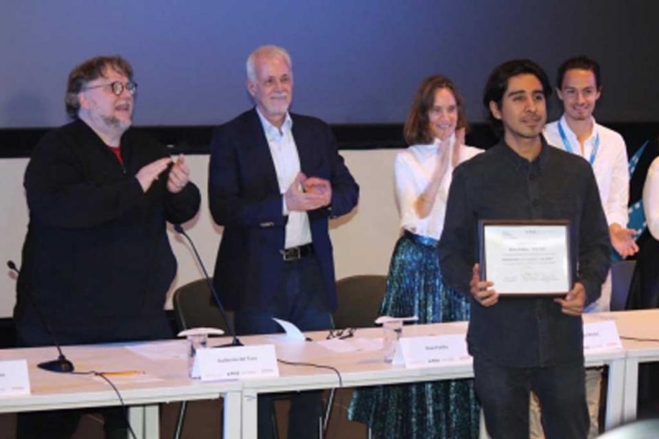Guillermo del Toro entrega Beca Jenkins-Del Toro a dos ganadores