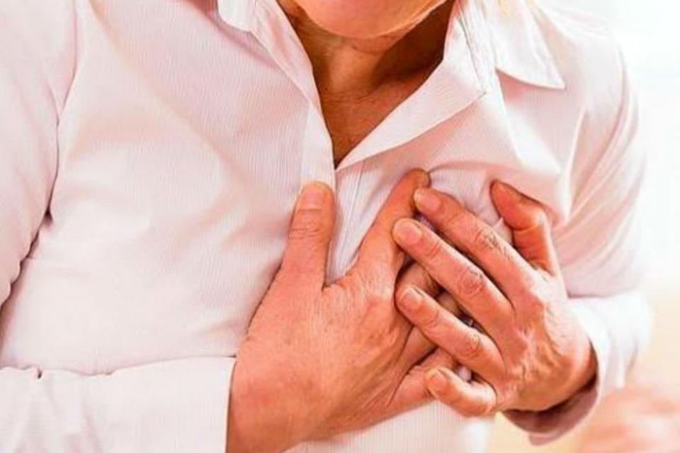 Colesterol y calcio altos pueden causar enfermedad cardíaca a los 50 años