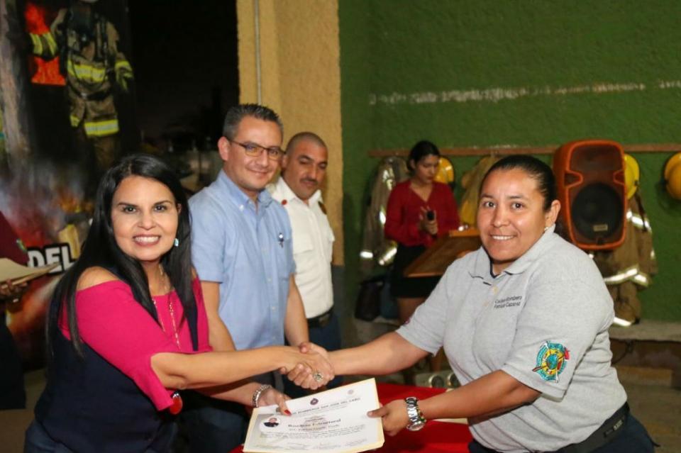 Alcaldesa de Los Cabos reitera su respaldo a las Corporaciones de Emergencia