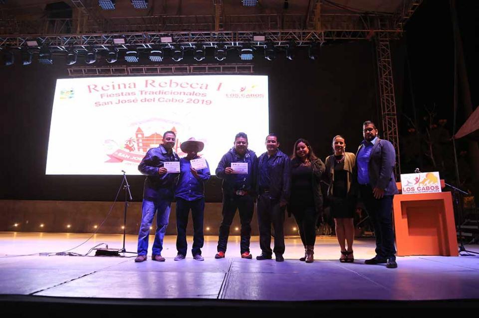 Premian a ganadores del Festival de la Canción, Aficionados al Canto y Muestra Gastronómica