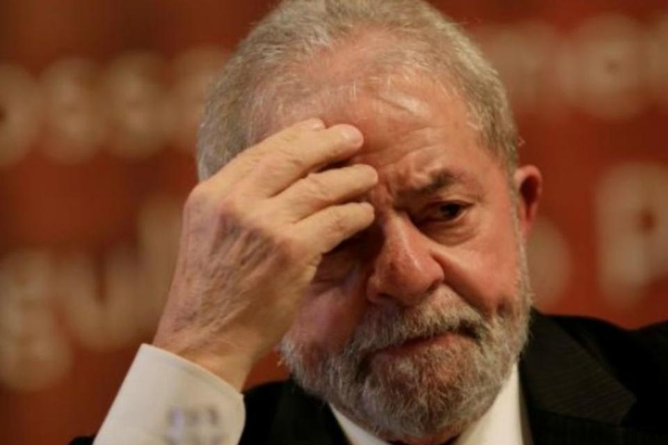 Lula da Silva deja prisión para despedir a su nieto en Sao Paulo