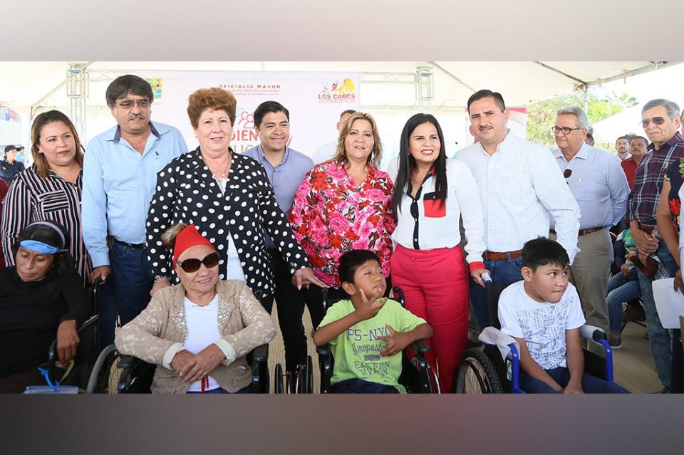 Atienden SMDIF Los Cabos a más de 200 personas en Audiencias Públicas en Cangrejos CSL