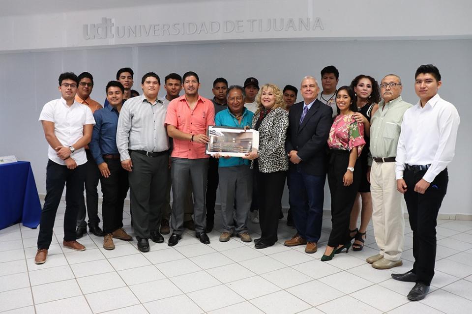 Dona Ayuntamiento de Los Cabos predio para la construcción de un Centro Indígena